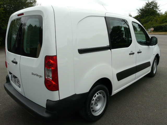 BERLINGO1.6HDI90CV5PLACES 007
