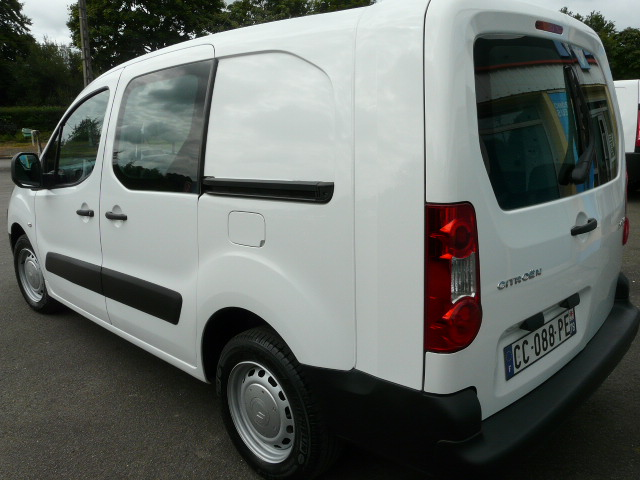BERLINGO1.6HDI90CV5PLACES 010